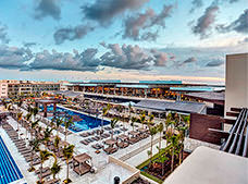 Royalton Riviera Cancún Resort and Spa